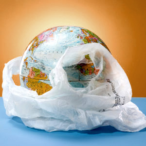 advantages and disadvantages of plastic bags Have a look at how plastic is recycled, the advantages and disadvantages of the process plastic is one of the most versatile materials of our modern age and yet the popularity of plastic is the problem.