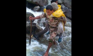 army helps stranded victims of flash flood